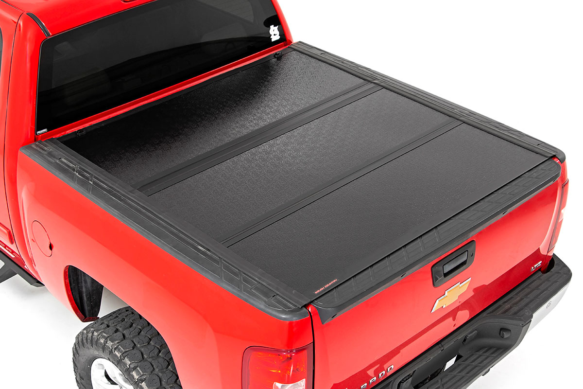 Rough Country Low Profile Hard Tri-Fold Tonneau Cover, 5.5ft Bed w/Rail Caps - GM 1500 2007-13