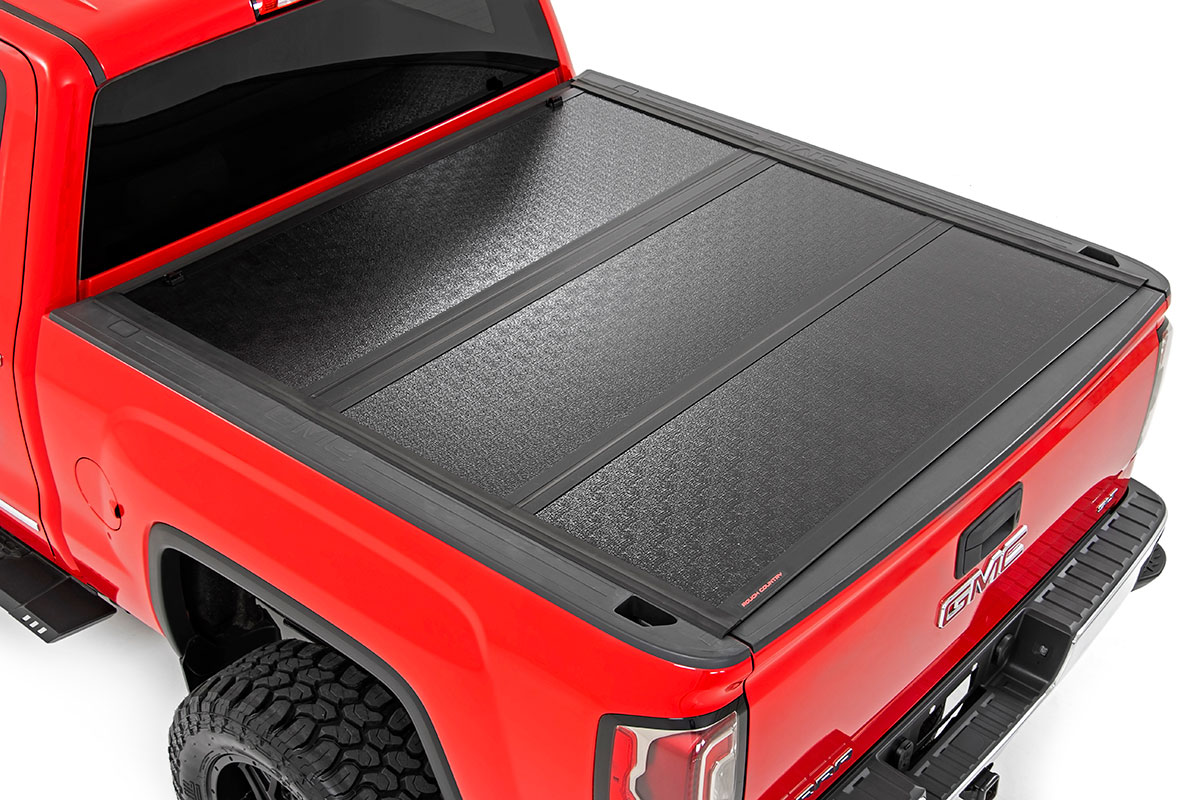 Rough Country Low Profile Hard Tri-Fold Tonneau Cover, 5.5ft Bed w/ Rail Caps - GM 1500 2014-18