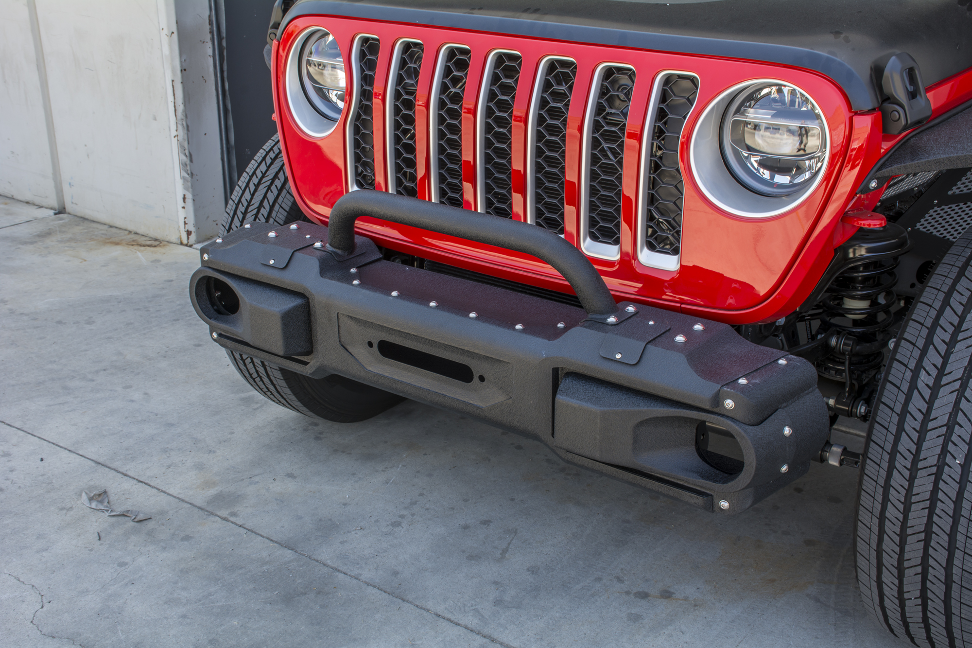 Jeep JL Modular Front Bumper with Bull Bar 18-Present Wrangler JL DV8 Offroad